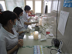 APHL lab training in Vietnam